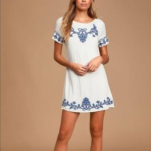 LULUS💙blue and white embroidered shirt dress!! 💙